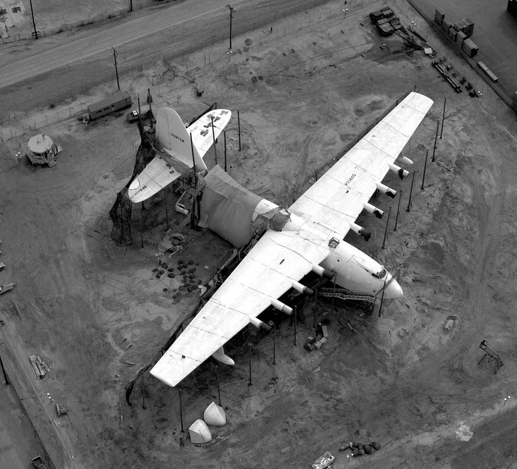 Howard Hughes H 4 Hercules