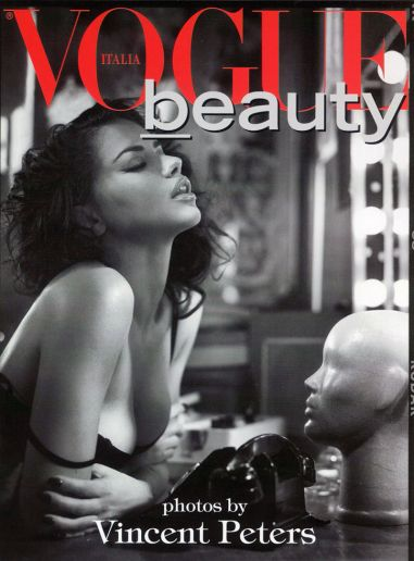 Adriana Lima vincent Peters Vogue Italy Photography